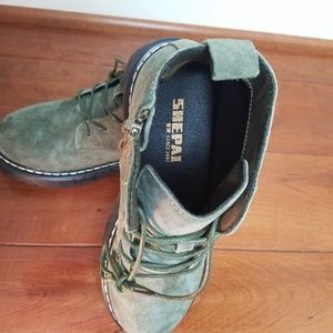 Shoes - Green Suede Zipper Boots size 6